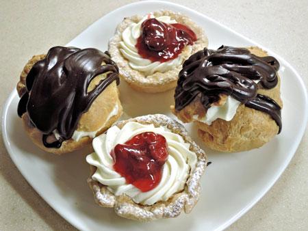 creamy chocolate cream puffs