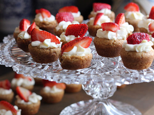 sweet tarts with strawberries